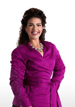 Account Executive Elizabeth Adams
